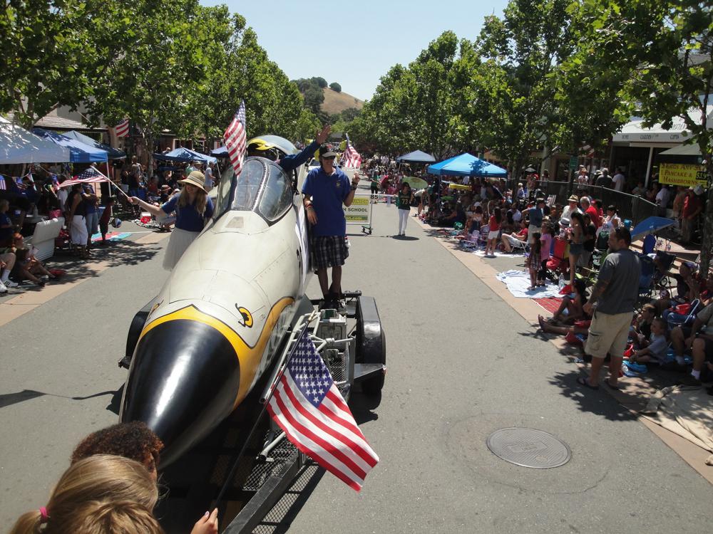 2013 Novato July 4 Parade 2